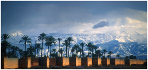 Atlas_Ramparts_behind_Riad _Laksiba_680