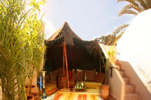 Laksiba_Berber_Tent_800x529